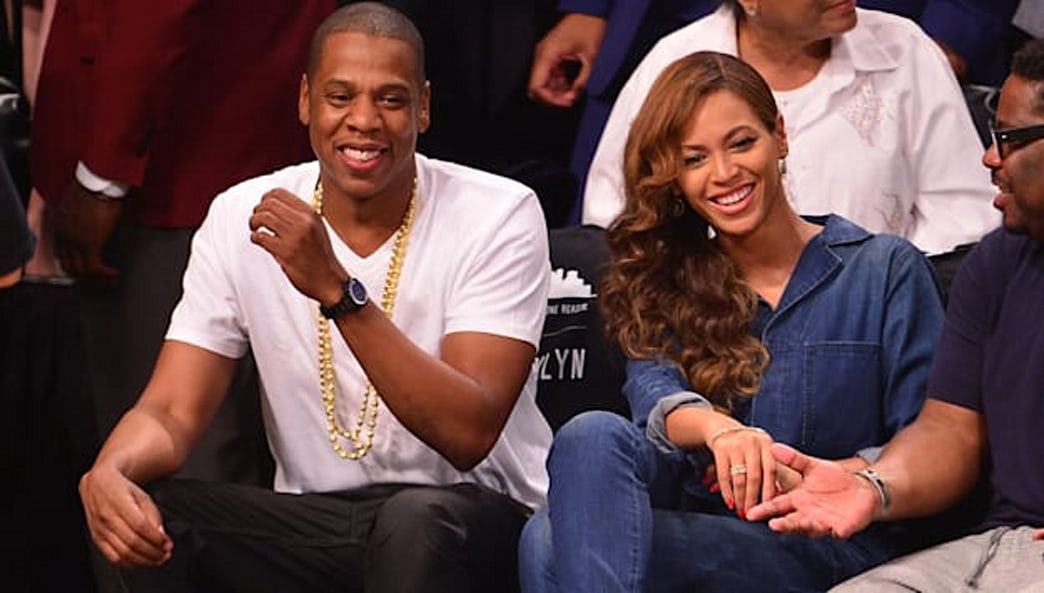 Top 9 at 9: Jay Z and Beyoncé smile sitting courtside and more news