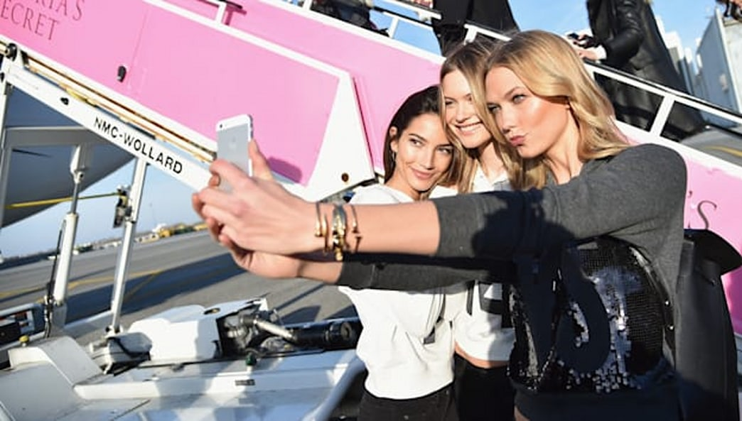 Karlie Kloss' mom helped her pack for the Victoria's Secret Fashion Show
