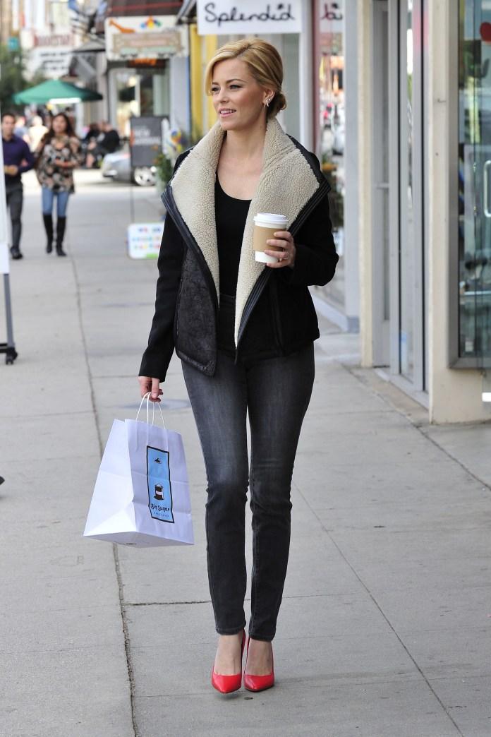Get the look: Elizabeth Banks' cozy LA ensemble