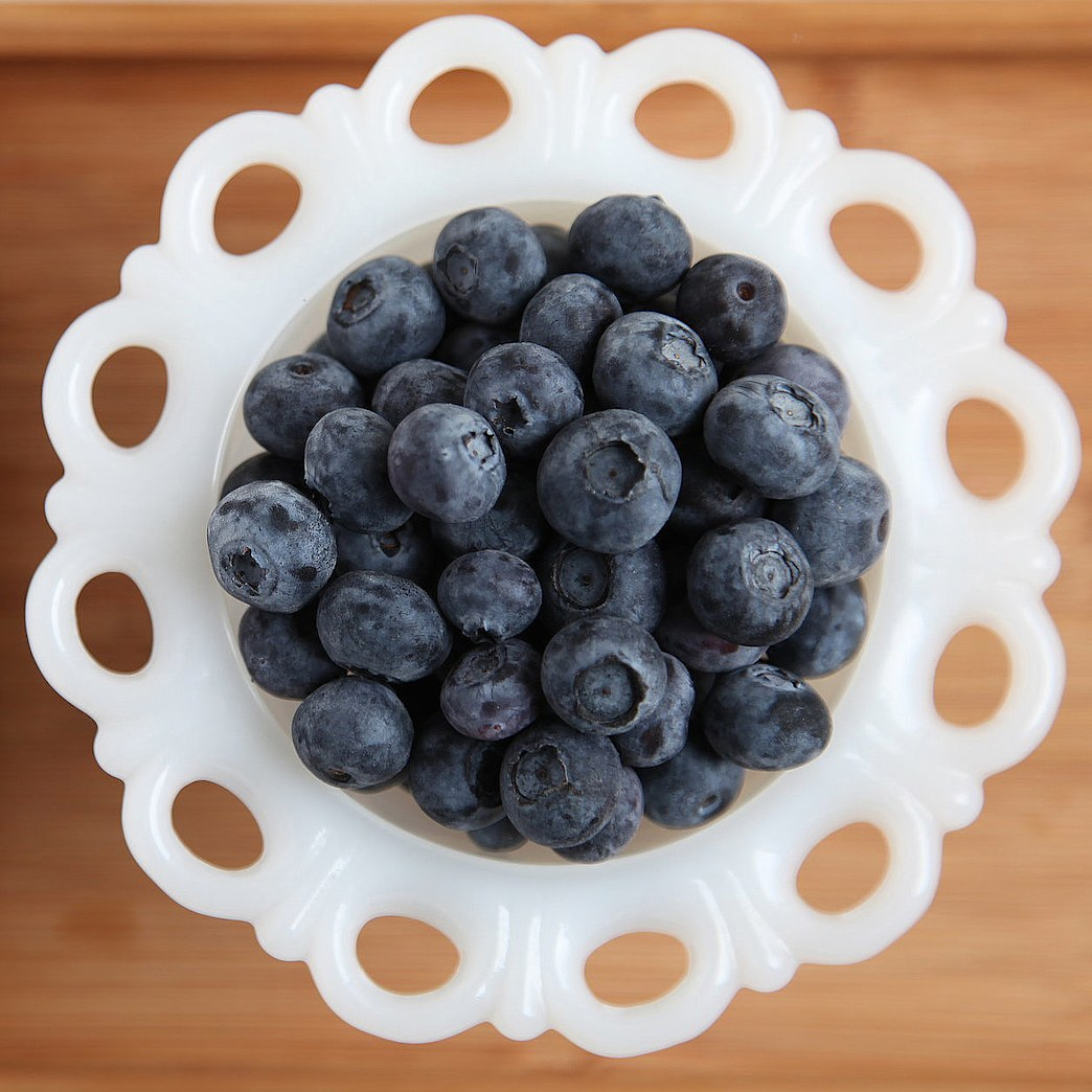 How berries boost your metabolism and banish belly fat