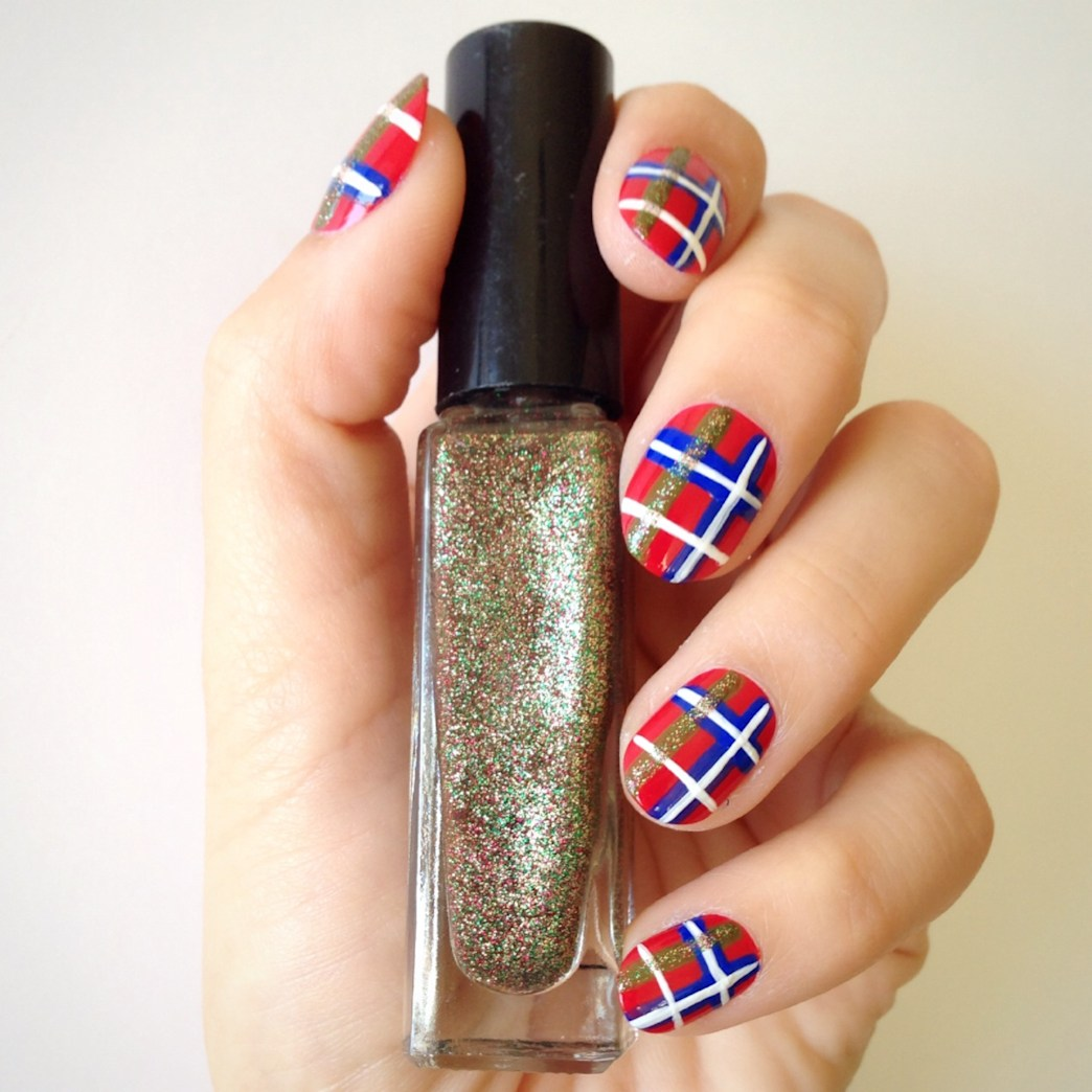 Shay Mitchell S Plaid Manicure Get The Look