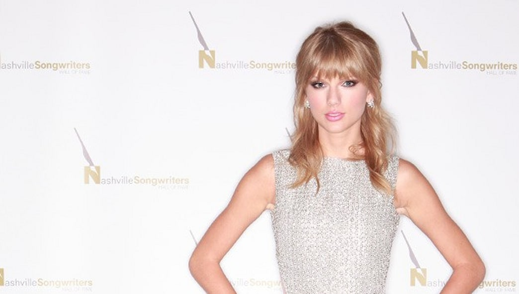 Look of the week: Taylor Swift stuns again