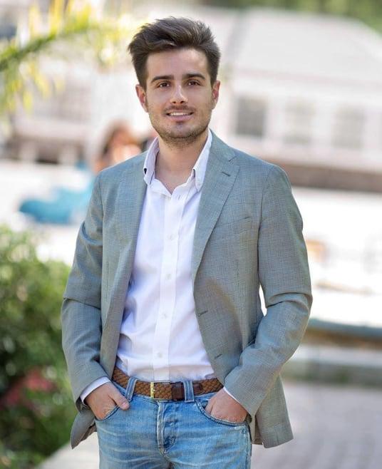Questo giovane sta rivoluzionando la moda ecosostenibile, utilizzando quanto di più prezioso ha la Sicilia