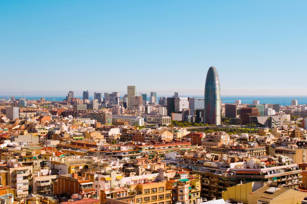Barcelona firma un compromiso para conseguir calles más limpias y saludables
