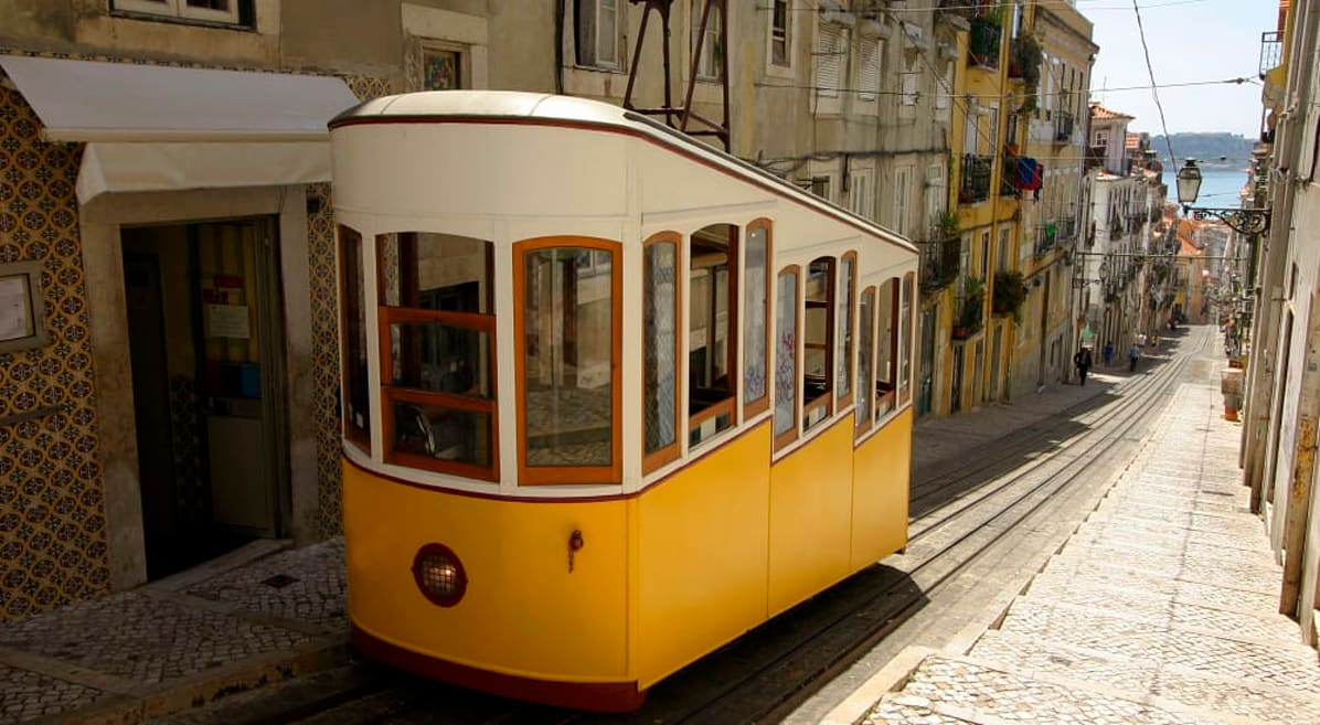 Le città collinari, da Roma a Rio, dovrebbero prendere spunto da questa rivoluzione elettrica di Lisbona