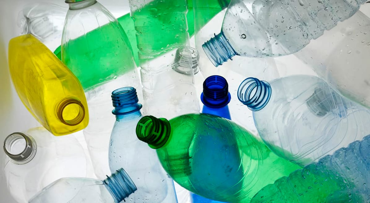 Bottiglie di plastica per rafforzare gli edifici. La scoperta degli studenti del MIT
