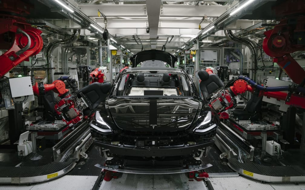 Tesla reportedly orders factory workers to show up despite shelter orders