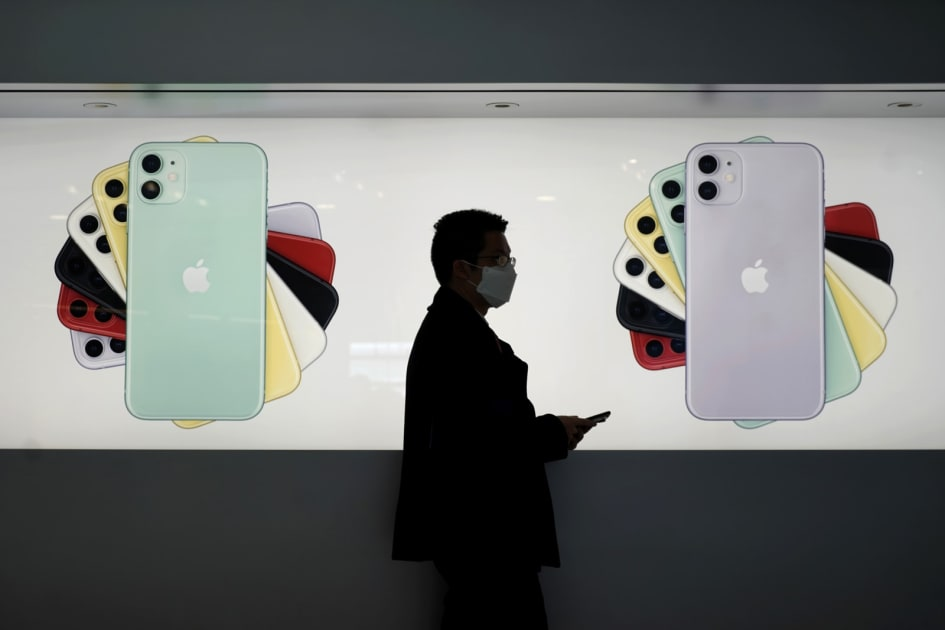 Smartphone shipments saw their largest drop ever in February 1