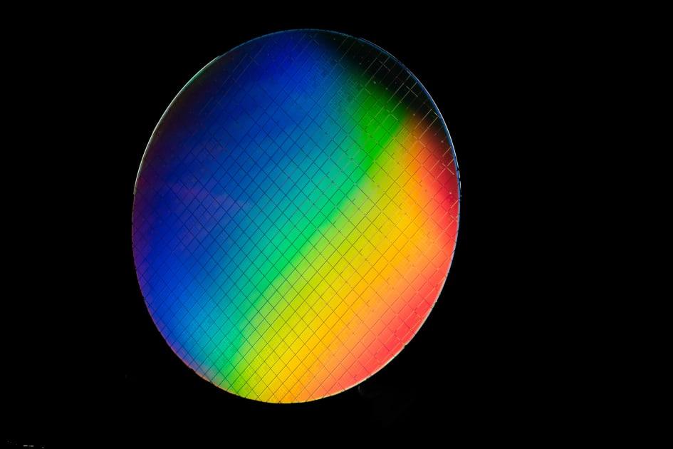Intel's'hot' qubits could lead to more advanced quantum computers 1