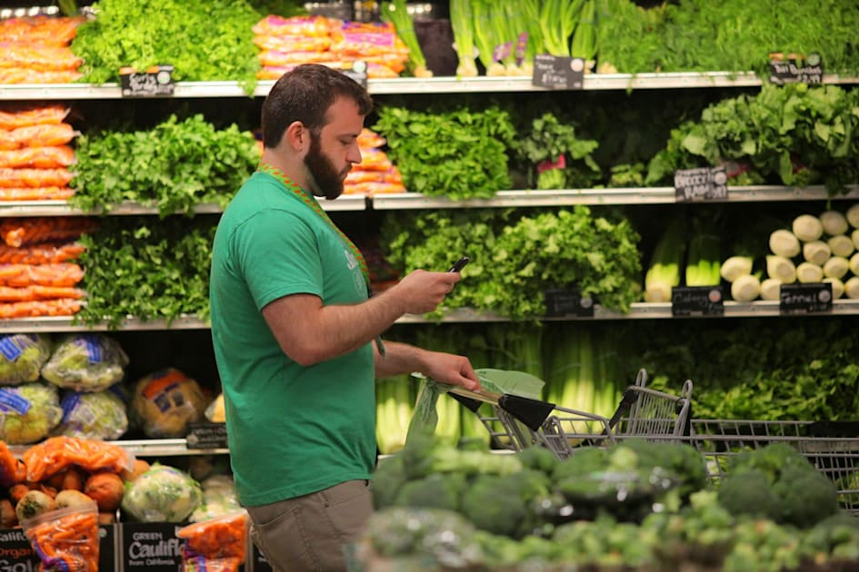 Instacart is hiring 300,000 full-time grocery shoppers