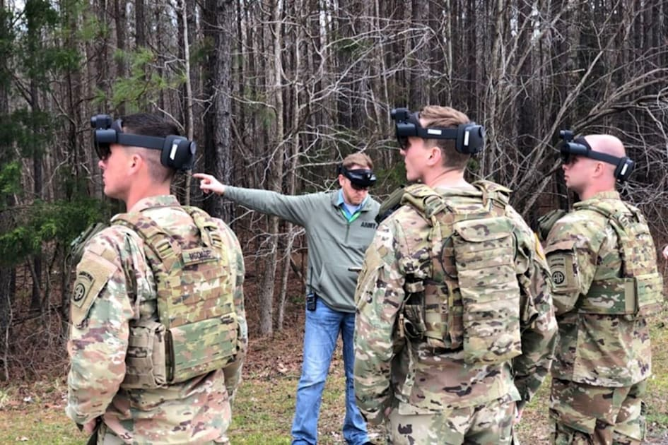 US Army shows how it will use HoloLens in the field