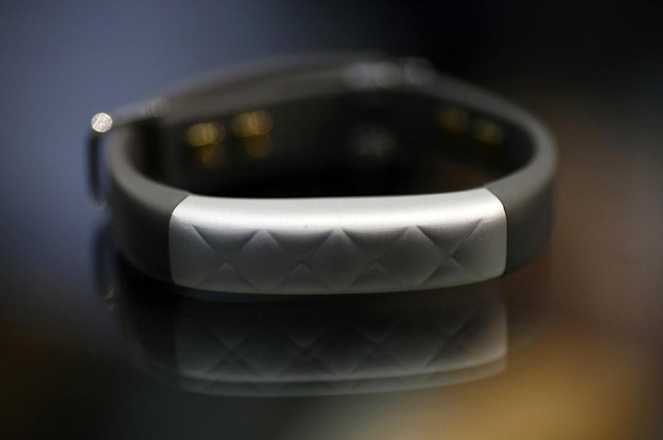 Fitbit drops its attempt to ban Jawbone device sales
