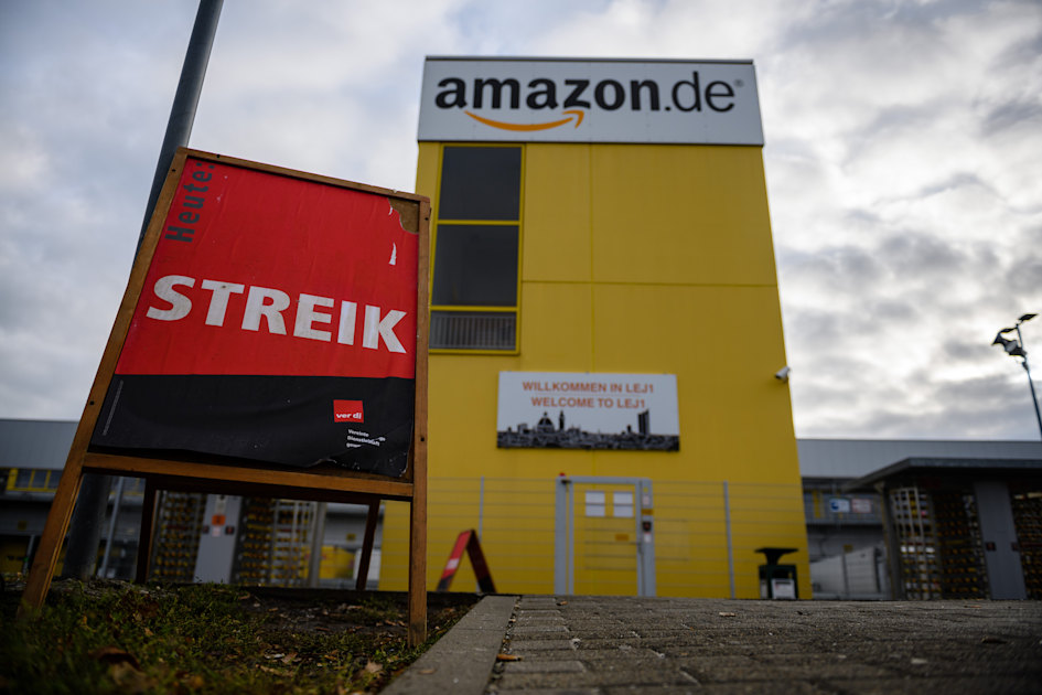 Amazon workers in Germany plan two-day strike over COVID-19 infections 1
