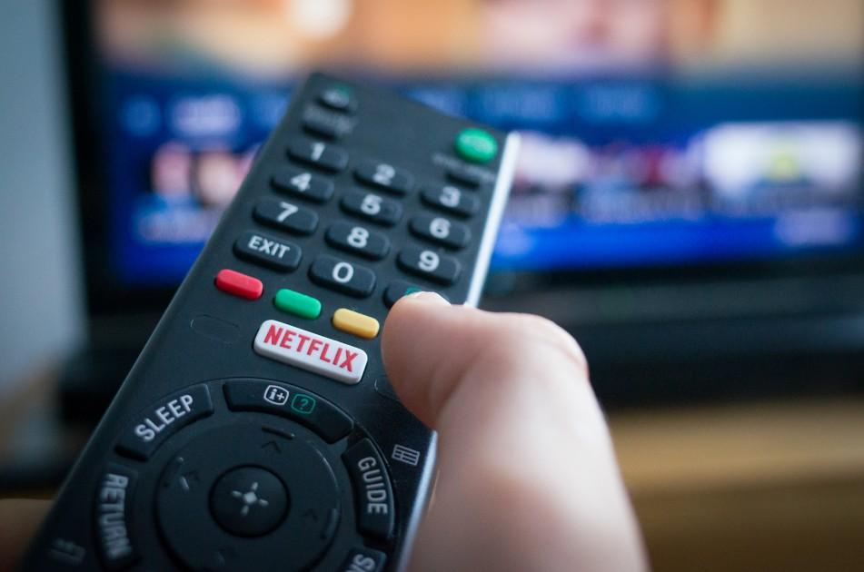 "Netflix is testing a ""Shuffle Play"" button 1"