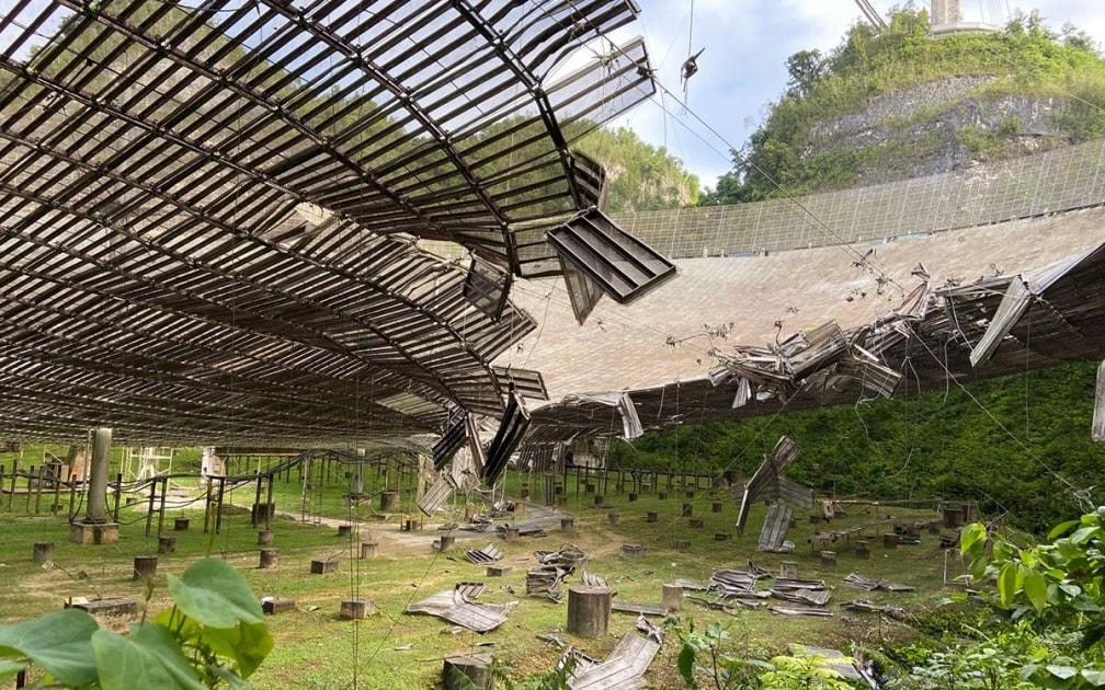 Puerto Rico's Arecibo radio telescope suffers serious damage