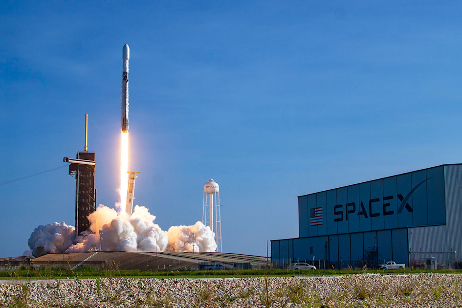 SpaceX wins contract to make US missile tracking satellites – Engadget