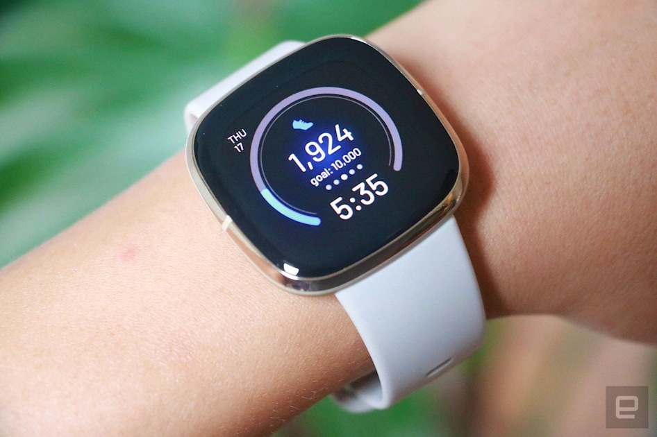 Apple Watch and other CPUwear (wearable computing) - cover