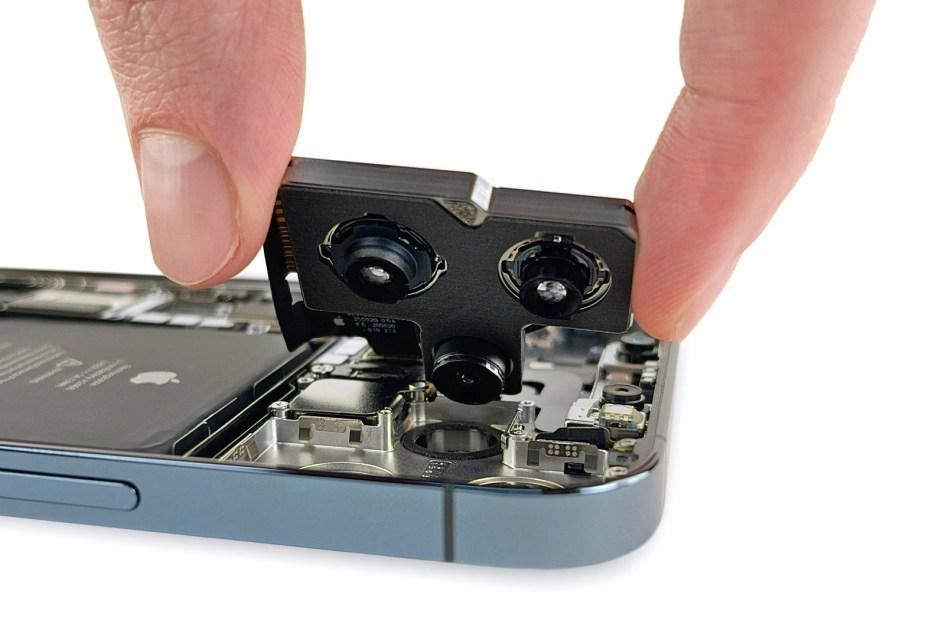 iPhone 12 Pro Max teardown reveals a truly huge main camera – Engadget