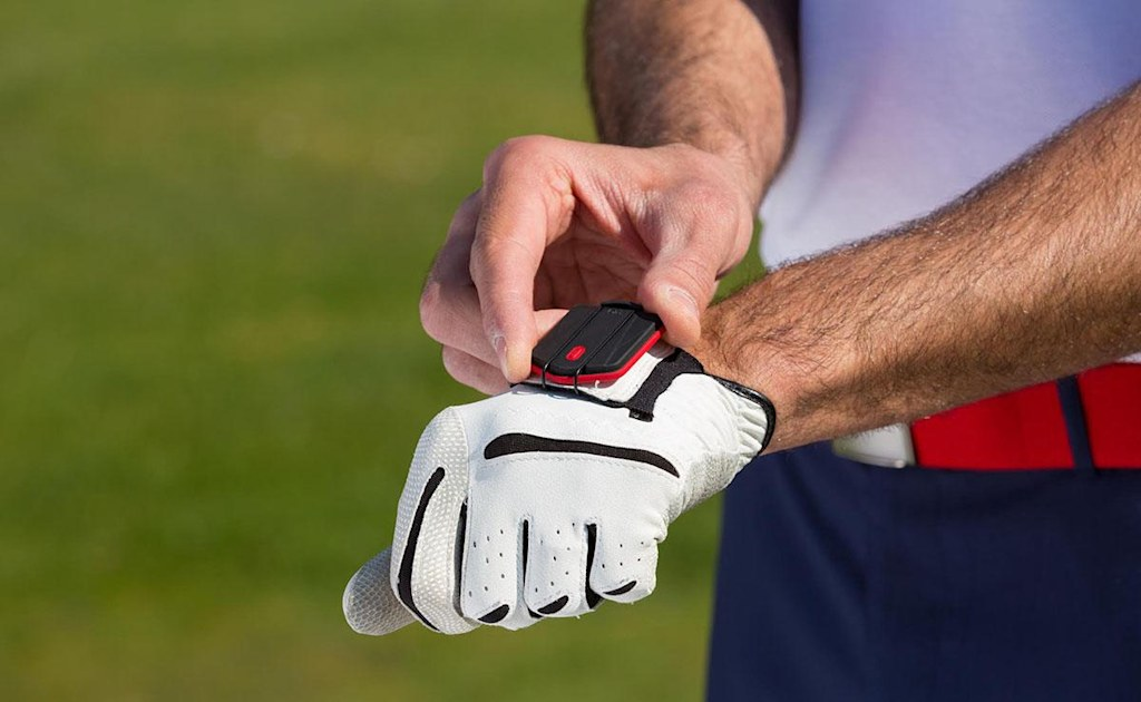 PIQ golf sensor marries swing tracking with game analysis