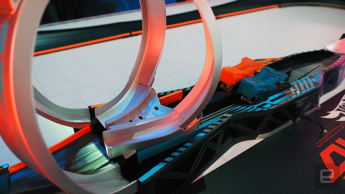 Hot Wheels Augmoto loops