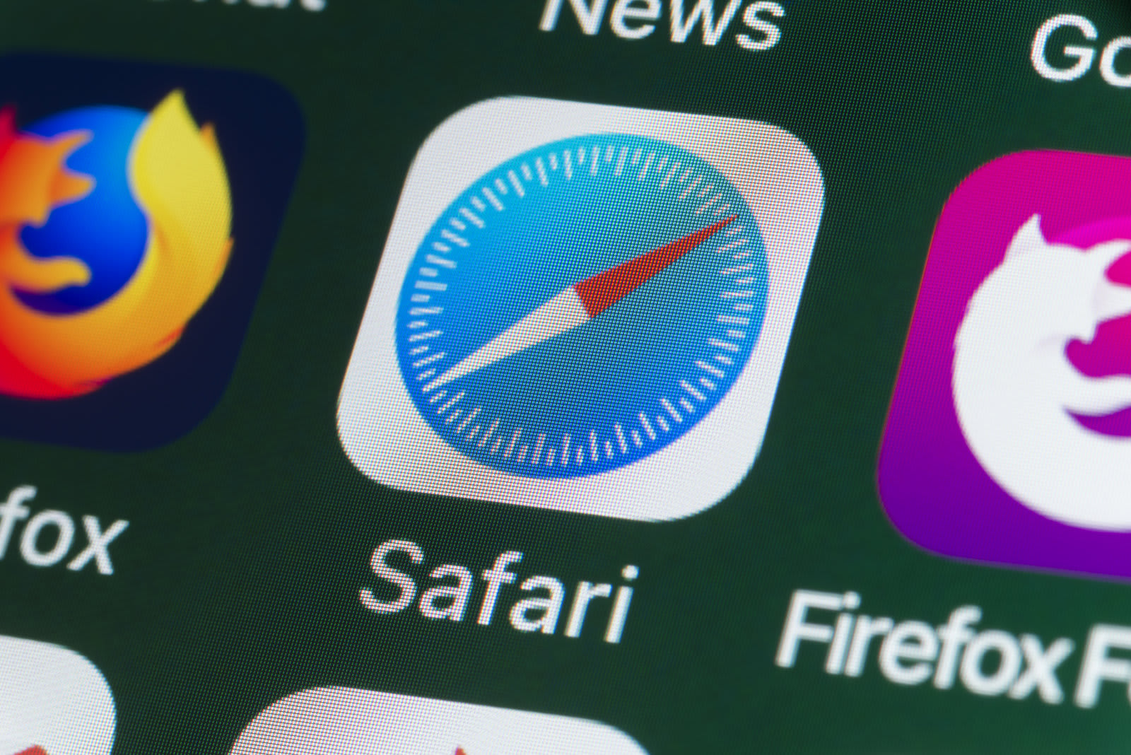 Apple promises hostile treatment for sites that break Safari privacy rules