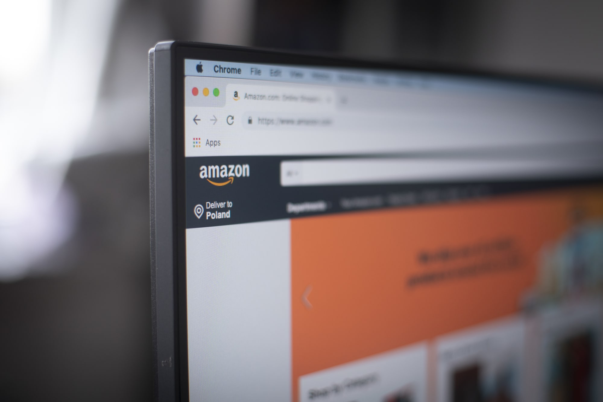 Senators want to know why Amazon Choice recommends junk
