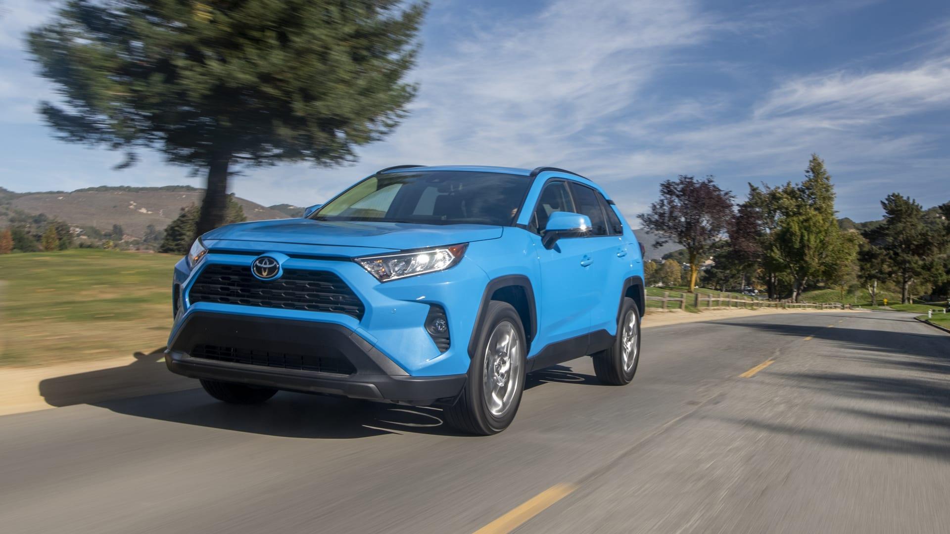 Toyota RAV4 XLE Premium 2019 года