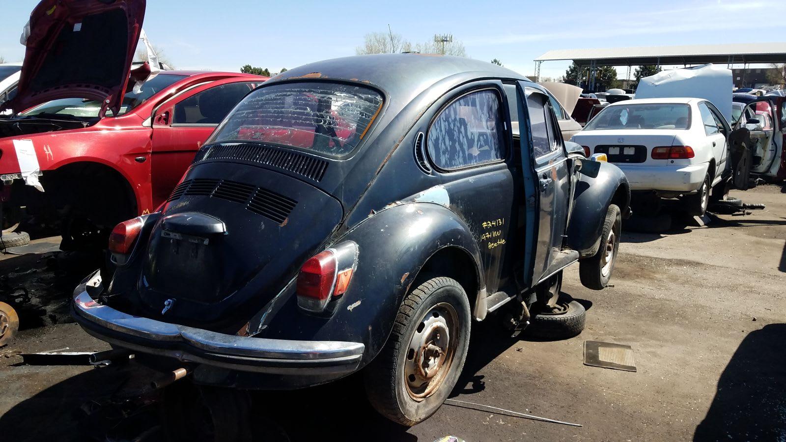1971 Volkswagen Super Beetle in Colorado wrecking yard