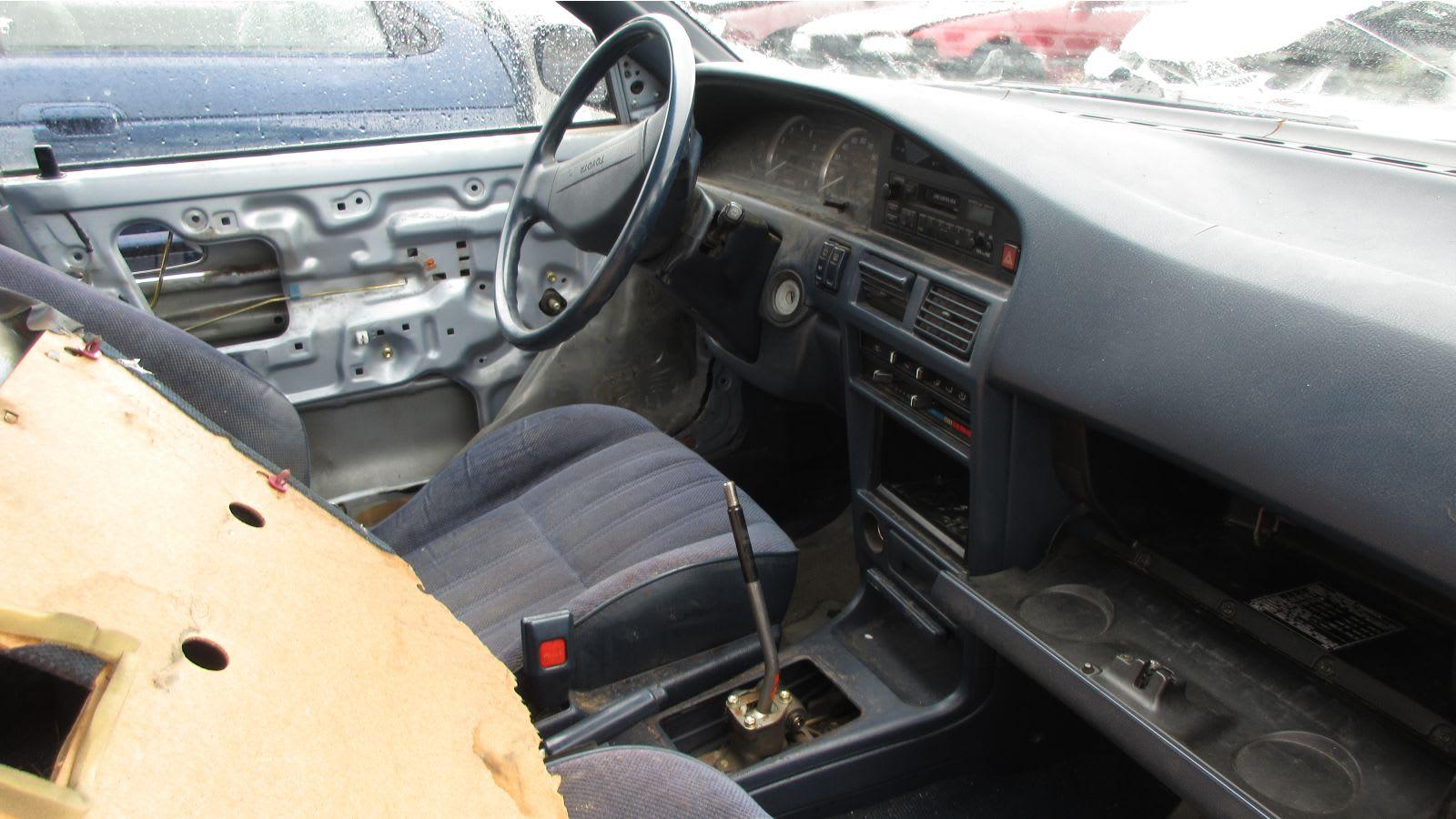 1991 Toyota Corolla DX Wagon art car junkyard find | Autoblog