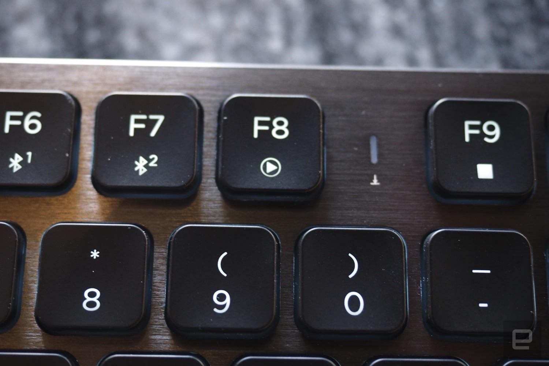 Corsair's K83 media keyboard is great    when it works