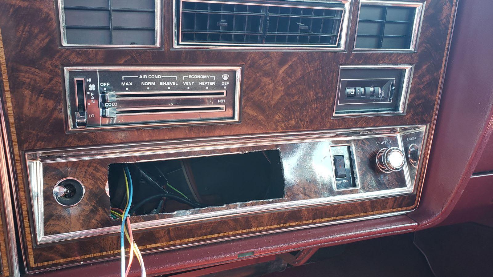 Junked 1984 Oldsmobile Delta 88