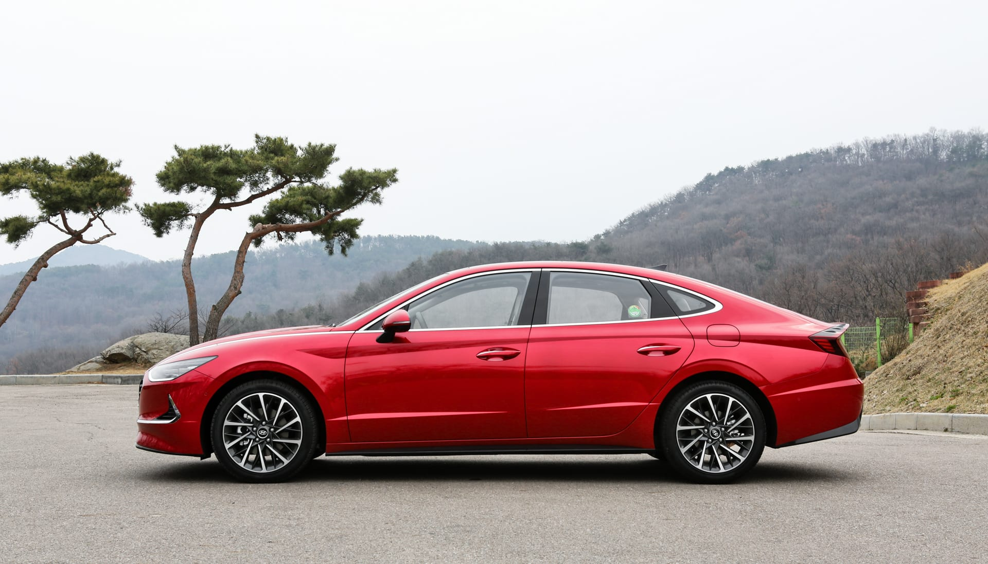 Hyundai Uses Tech To Bust The Sonata S Boring Reputation