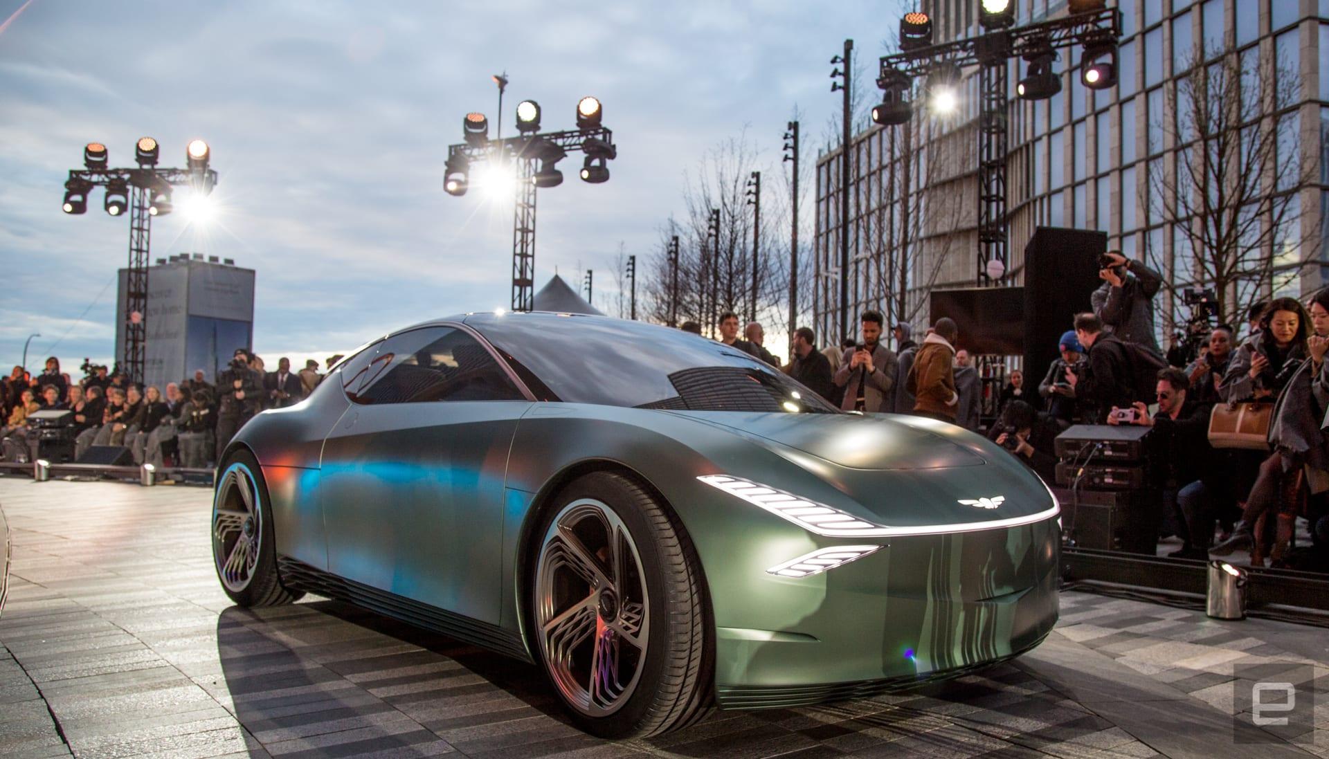 dims?resize=2000%2C2000%2Cshrink&image_uri=https%3A%2F%2Fs.yimg Genesis unveils Mint concept EV for urban fashionistas