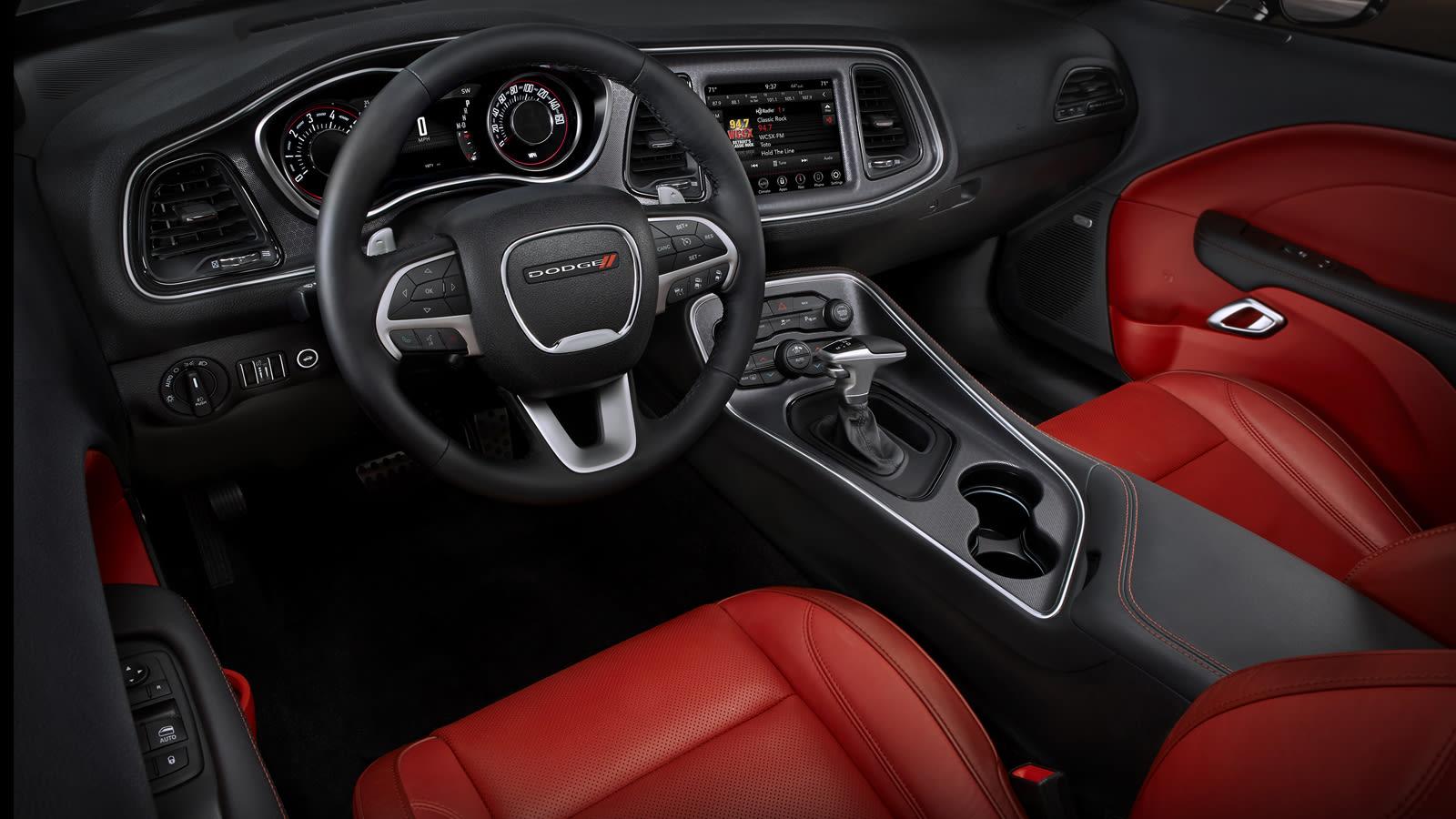 2019 Dodge Challenger SXT Plus