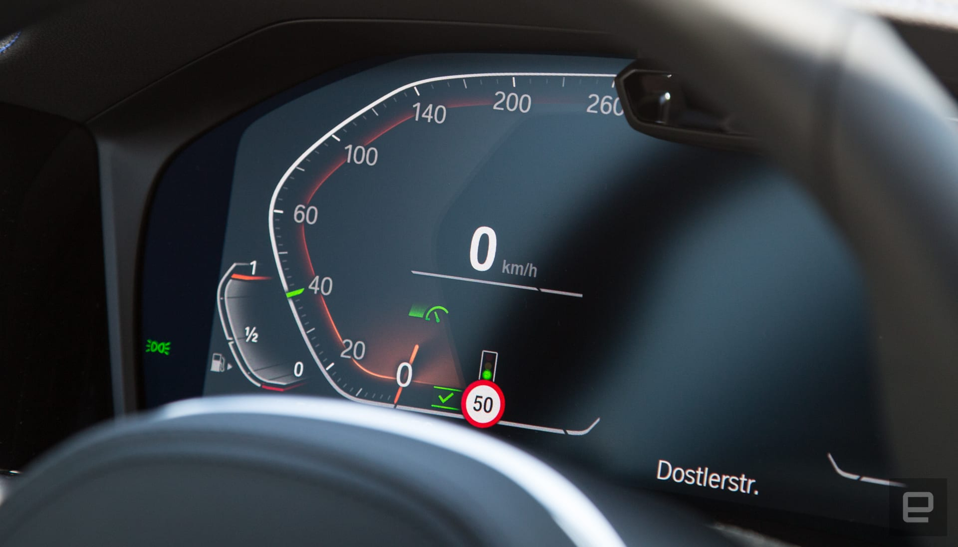 BMW's future cruise control will read traffic lights