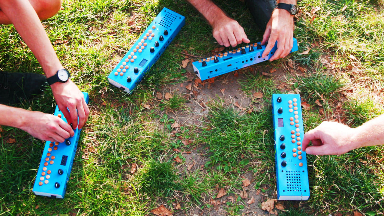 """Organelle M Hands-On: a portable and endlessly hackable music """"computer"""""""
