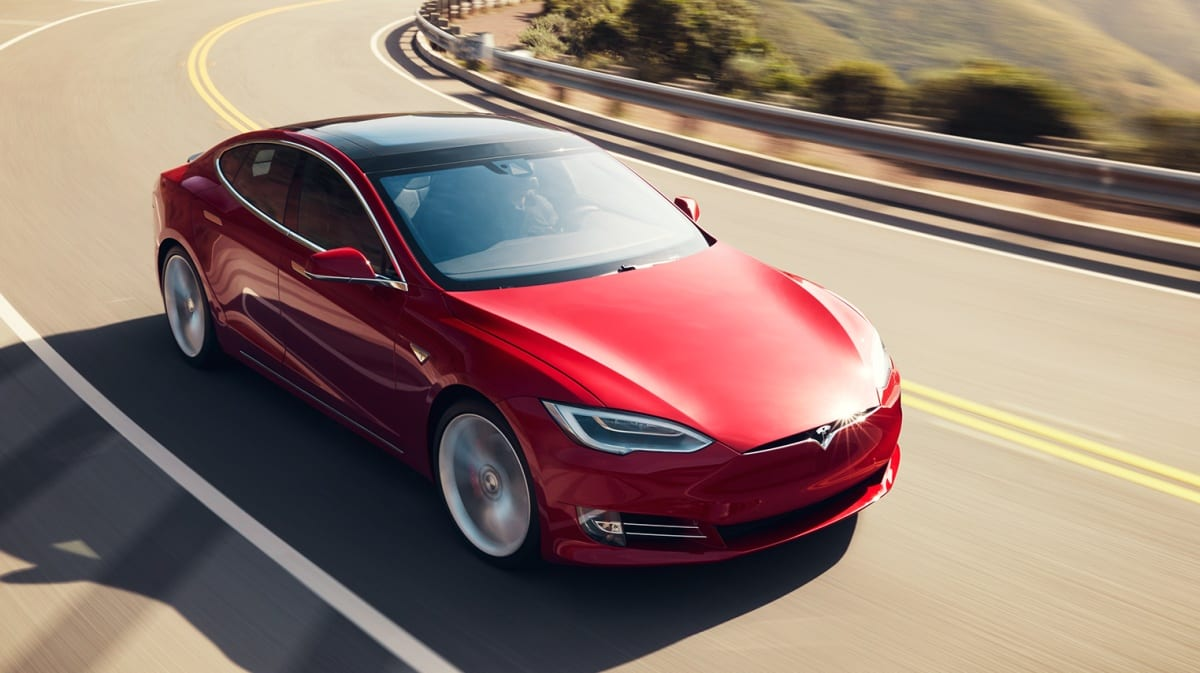 Watch Tesla's record-breaking Laguna Seca lap
