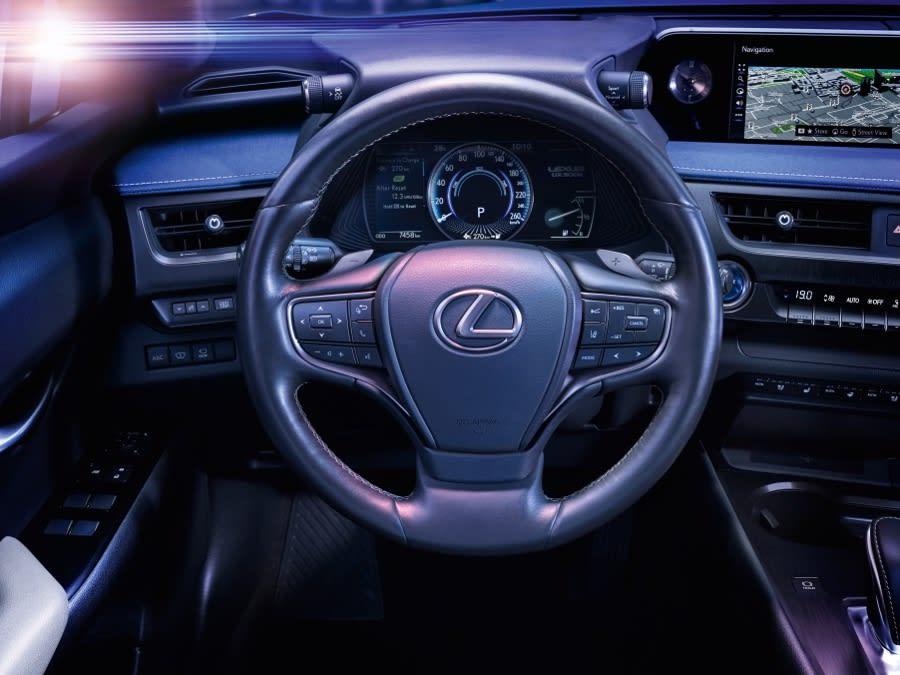 Lexus UX300e