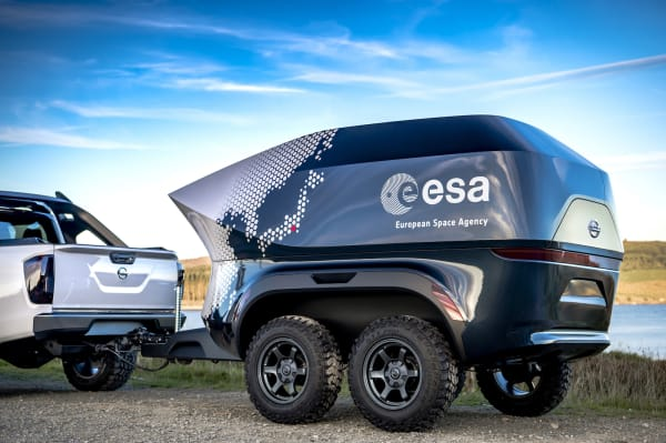 Engadget the esa teamed with nissan to build an off road astronomy lab fandeluxe Gallery