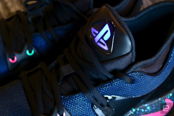 Por lo tanto Noroeste Palpitar  Nike's 'PlayStation' shoes make hypebeasts out of gamers | Engadget