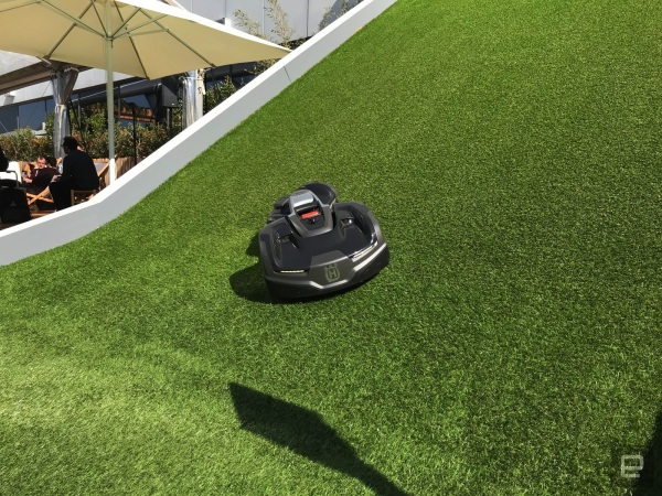 Hills can't stop this all-wheel-drive robot lawn mower