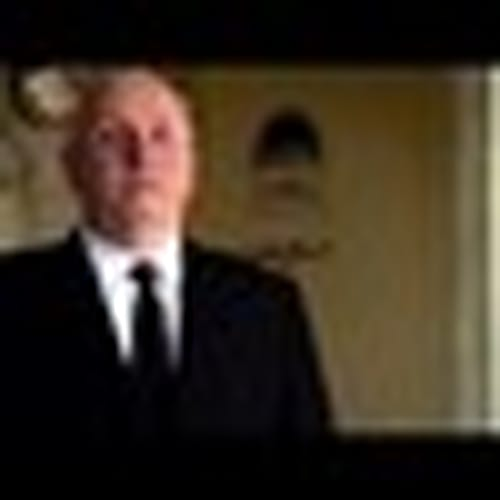 """'Hitchcock' <br>Inaccuracy: Alfred Hitchcock Signs Off By Saying """"Good Evening"""""""