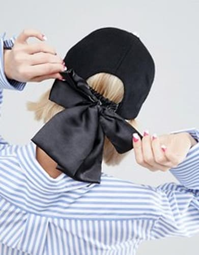 Wool Cap With Bow Back Detail