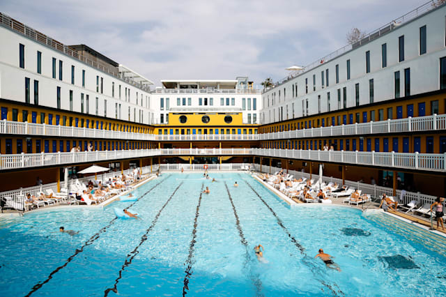 Amazing public swimming pools around the world aol travel uk for Piscine molitor