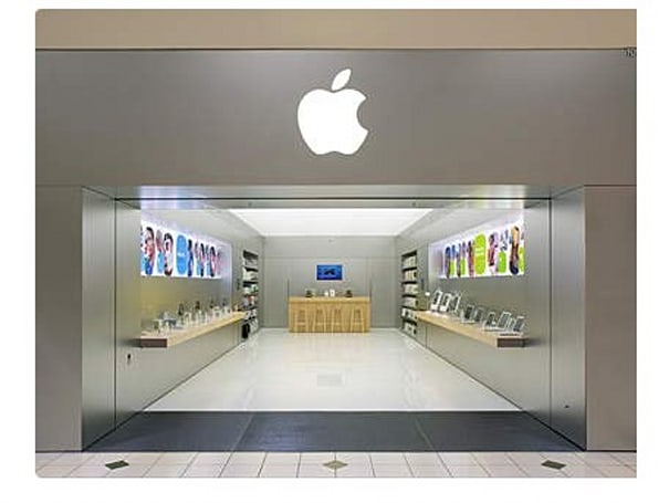 "Apple planning replacement for California ""mini"" Apple Store"
