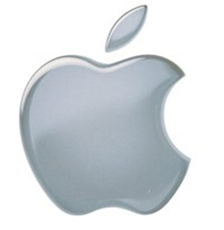 Apple Store employees file lawsuit, claim company not paying for security searches