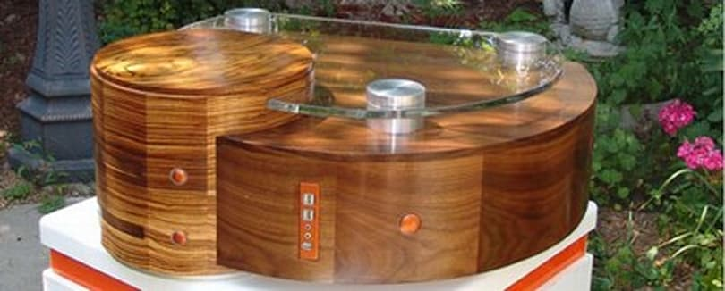 Suissa Computers offers up custom wooden PCs