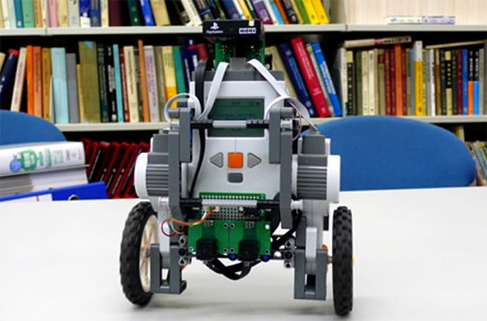 Lego Mindstorms NXTway-G much cooler than Segway