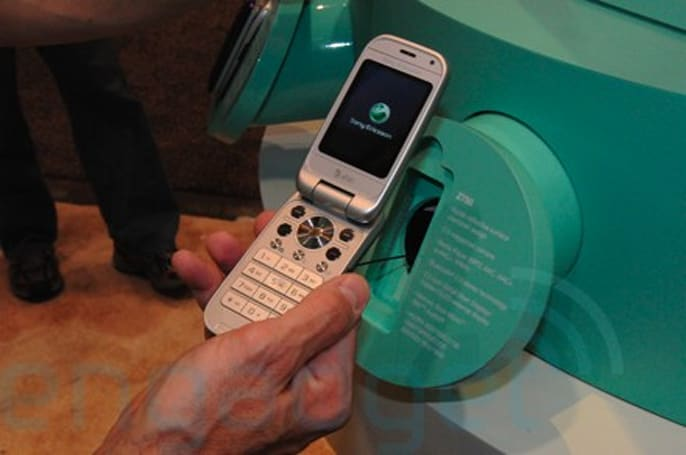 Hands-on with the Sony Ericsson Z750a for AT&T