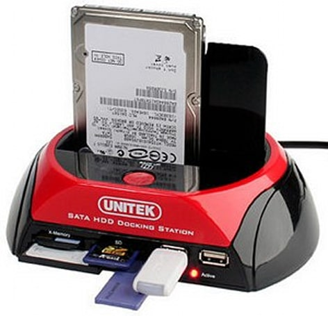 Unitek's SATA HDD Dock throws in multicard reader, one-touch backup